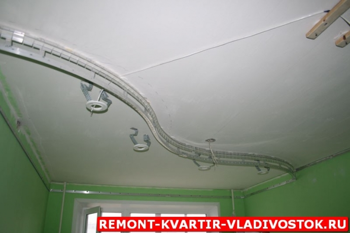 ustanovka_natjazhnyh_potolkov_foto_14